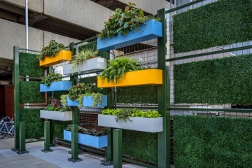 UPMC Shadyside - Living Wall